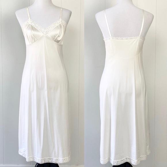 Vintage Sz. 34 White Lace Slip Dress Nightie